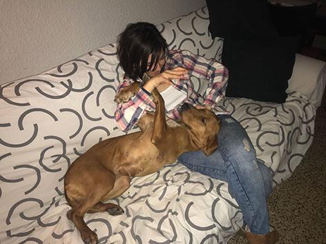 ¡Mikaela adoptada!