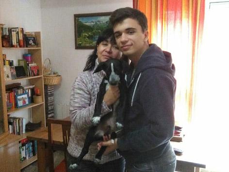 ¡Antonio adoptado!